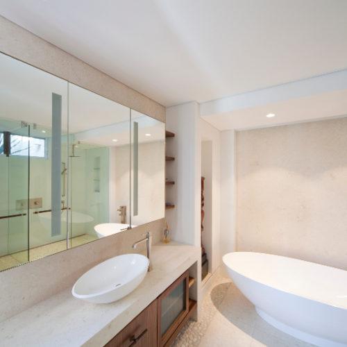 Vanity bathroom 800x533