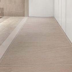 Crema Valencia hallway